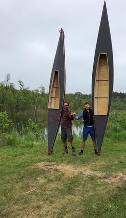 Kanu Tour im selbst gebauten Boot